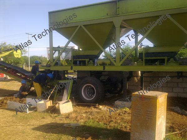 mobile feeder of mobile asphalt mix plant